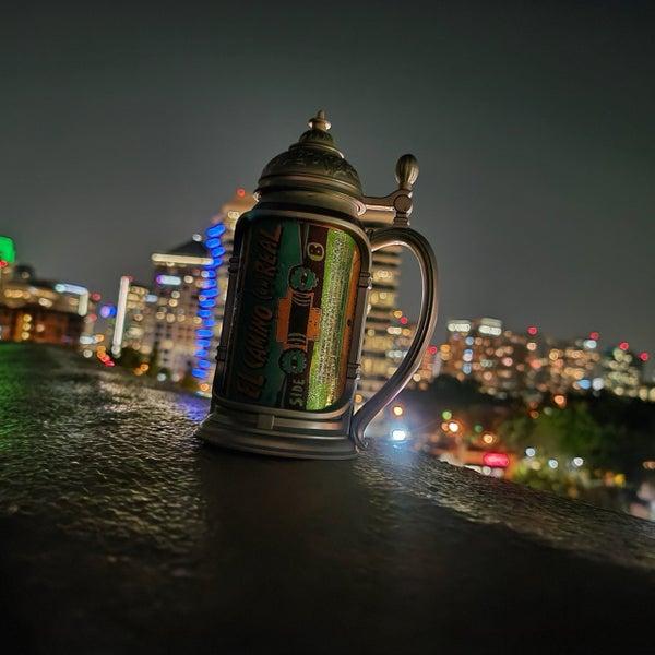 Foto diambil di Uptown Dallas oleh William R. pada 6/8/2020