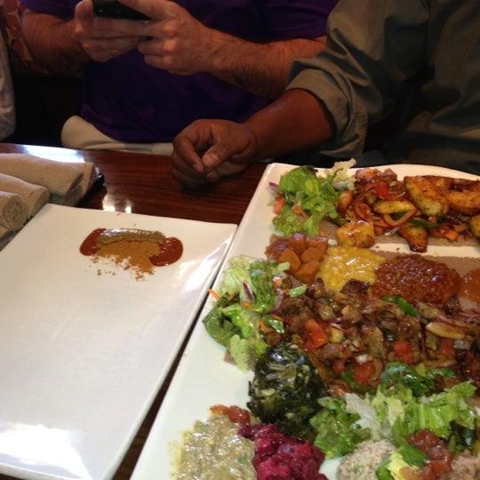 Снимок сделан в Desta Ethiopian Kitchen пользователем Jason W. 11/2/2012
