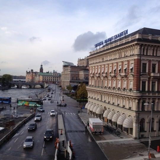 Foto tirada no(a) Grand Hôtel Stockholm por Michael S. em 10/15/2012