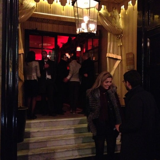 Foto diambil di Hôtel Costes oleh Michael S. pada 11/29/2012