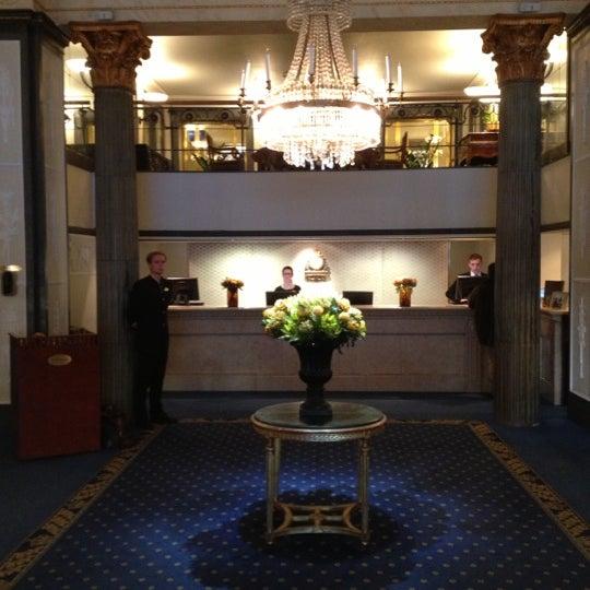 Foto tirada no(a) Grand Hôtel Stockholm por Michael S. em 10/16/2012