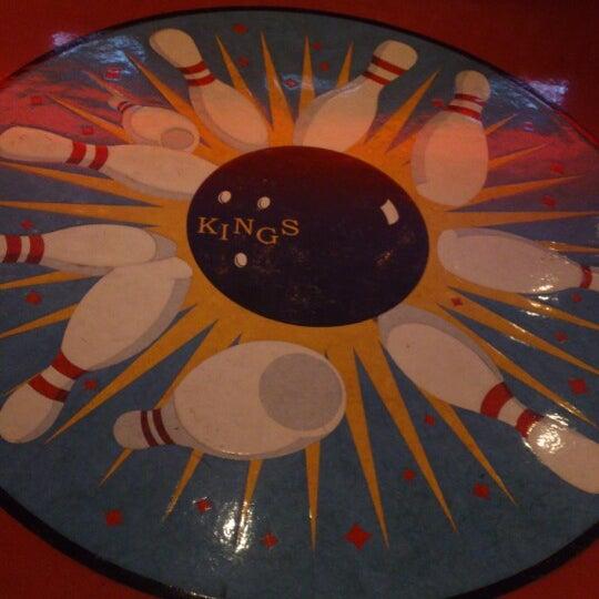 Снимок сделан в Kings Dining & Entertainment пользователем Erick E. 10/18/2012