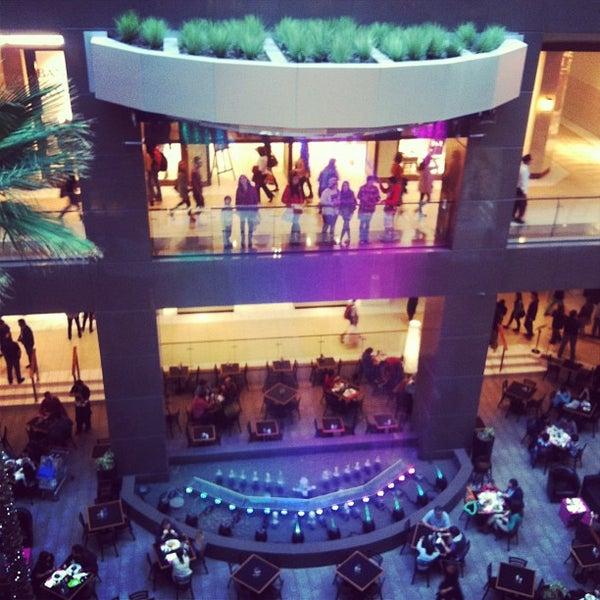 Foto scattata a Costanera Center da Pablo A. il 5/11/2013