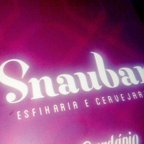 Foto tirada no(a) Snaubar Esfiharia e Cervejaria por João Luiz G. em 12/29/2012