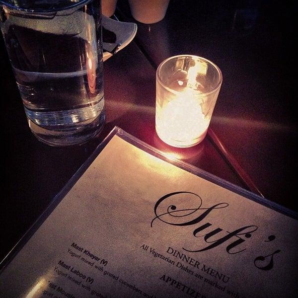 3/27/2013 tarihinde Tyler L.ziyaretçi tarafından Sufi's Restaurant'de çekilen fotoğraf