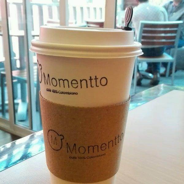 Foto tirada no(a) Momentto Café 100% Colombiano por Eduardo V. em 8/22/2016