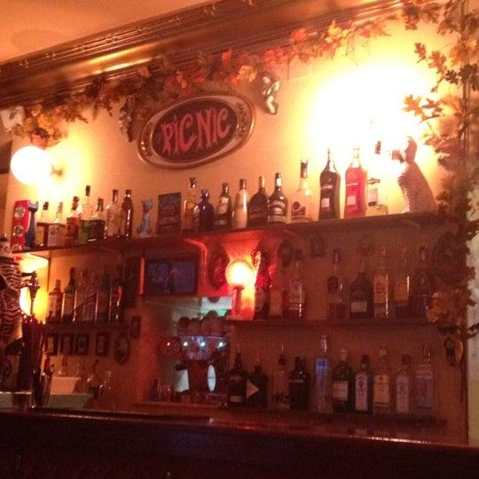 10/12/2012 tarihinde Elena M.ziyaretçi tarafından Bar Picnic'de çekilen fotoğraf