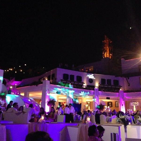 รูปภาพถ่ายที่ Cratos Premium Hotel & Casino โดย Lütfiye G. เมื่อ 6/14/2013