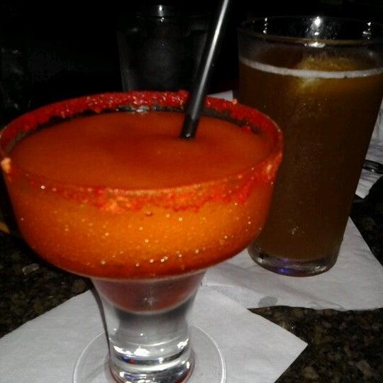 Foto scattata a Ryan's Grill da Deanna I. il 12/3/2012