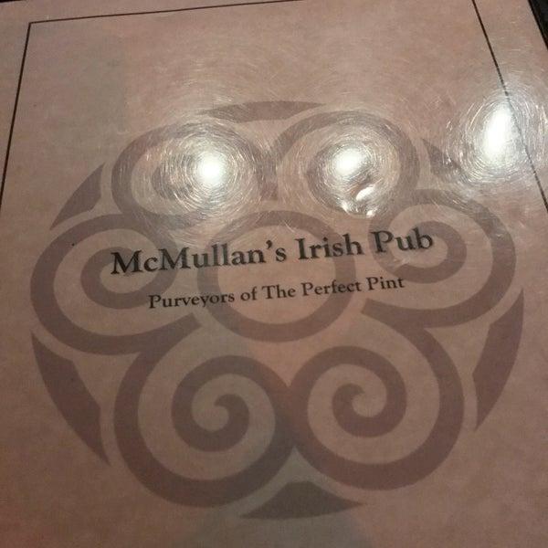 Foto scattata a McMullan's Irish Pub da Drew B. il 8/11/2017