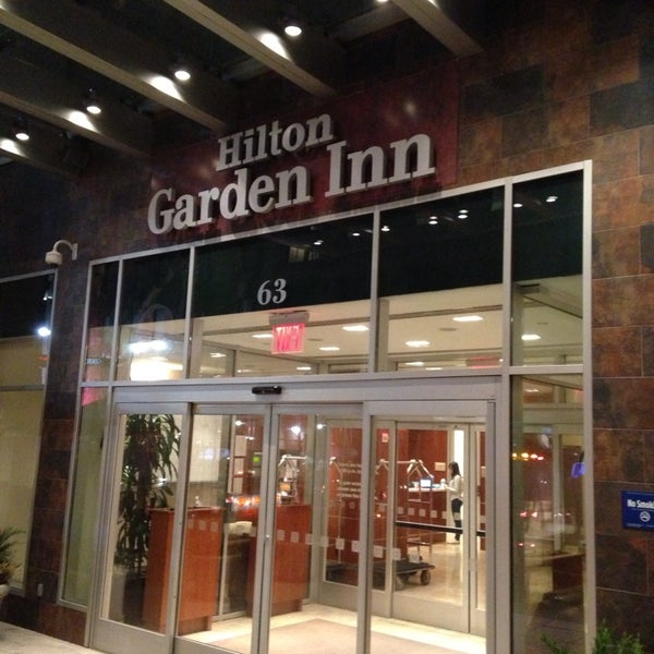 Foto tirada no(a) Hilton Garden Inn por Courtney H. em 5/16/2013