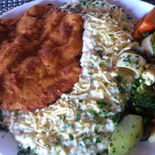 Foto tomada en Eskina Bar e Restaurante por Anderson K. el 10/27/2012