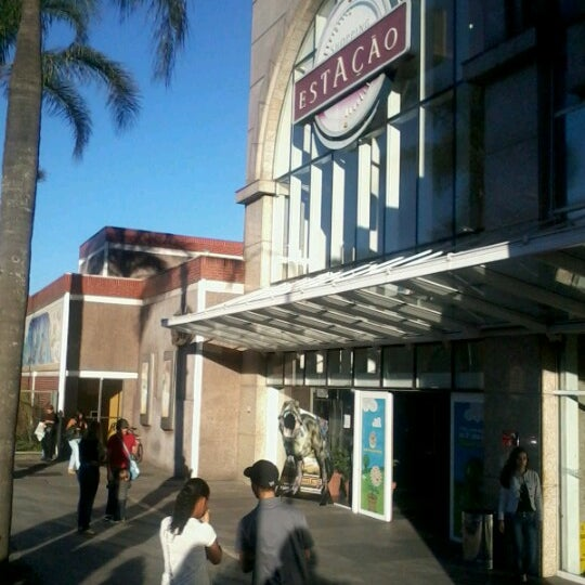9/22/2012 tarihinde Simone V.ziyaretçi tarafından Shopping Estação'de çekilen fotoğraf