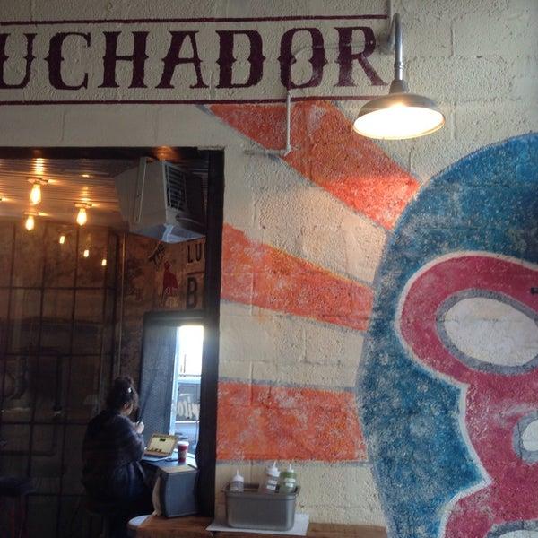 Foto tirada no(a) El Luchador por Gina em 11/18/2014