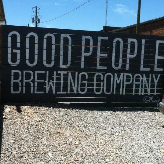 Foto diambil di Good People Brewing Company oleh Tony A. pada 5/25/2013