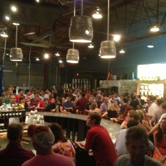 Foto diambil di Good People Brewing Company oleh Tony A. pada 6/8/2013