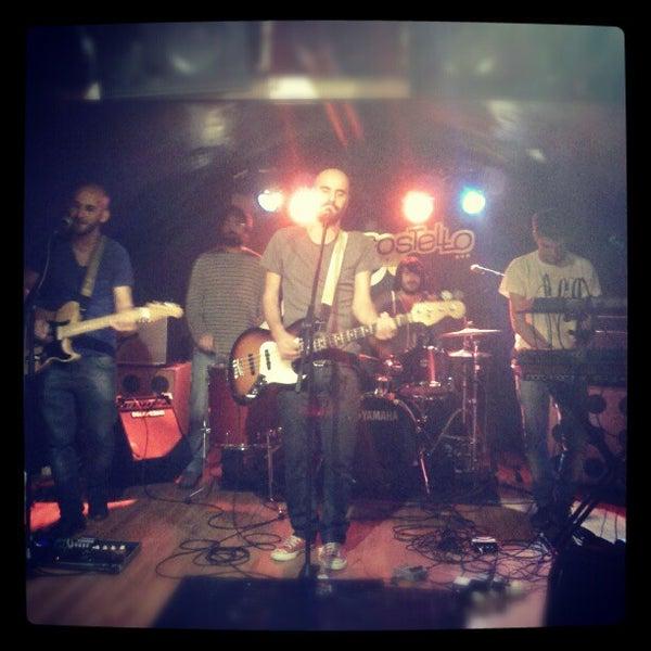 รูปภาพถ่ายที่ Costello Club โดย Andrés C. เมื่อ 11/21/2012