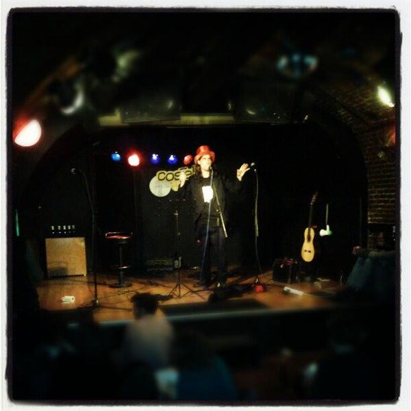 รูปภาพถ่ายที่ Costello Club โดย Andrés C. เมื่อ 11/20/2012