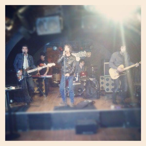 Foto tirada no(a) Costello Club por Andrés C. em 10/27/2012