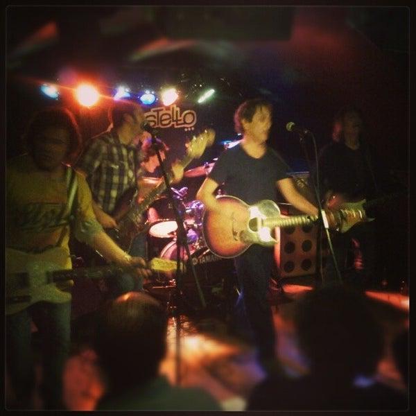 รูปภาพถ่ายที่ Costello Club โดย Andrés C. เมื่อ 1/25/2013