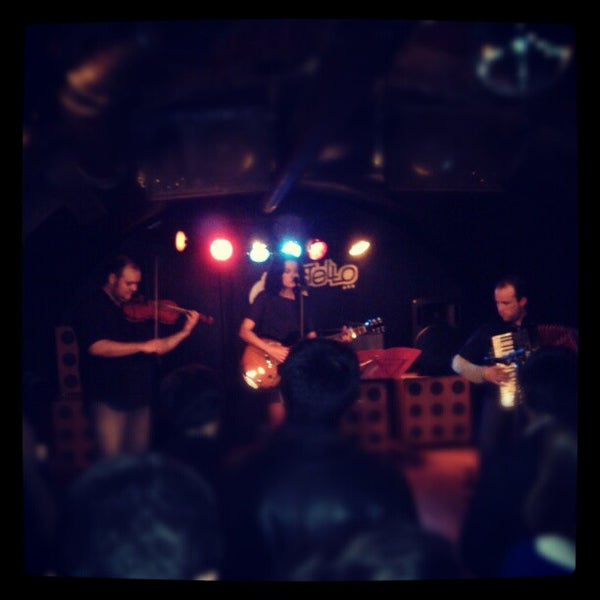 Foto tirada no(a) Costello Club por Andrés C. em 11/7/2012