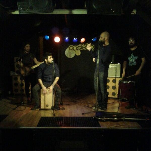 รูปภาพถ่ายที่ Costello Club โดย Andrés C. เมื่อ 12/19/2012