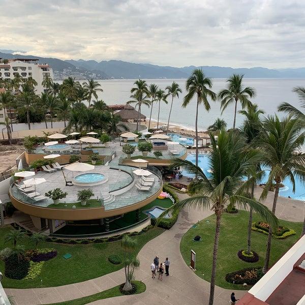 Foto tomada en Sunset Plaza Beach Resort & Spa por Scott (@SQLSocialite) S. el 12/27/2018
