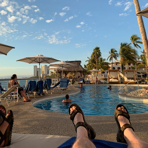 Foto tomada en Sunset Plaza Beach Resort & Spa por Scott (@SQLSocialite) S. el 12/26/2018