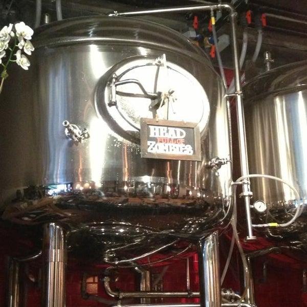7/3/2013에 Jim H.님이 DryHop Brewers에서 찍은 사진