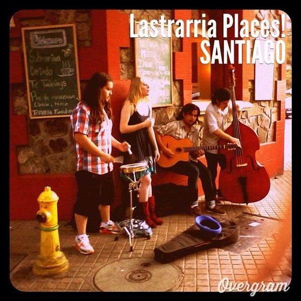 Foto tomada en Paseo Barrio Lastarria por Ignacio P. el 12/29/2013