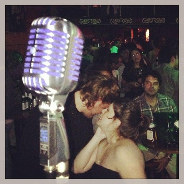 Foto tomada en Ozzie Pub por Daniel M. el 5/11/2013