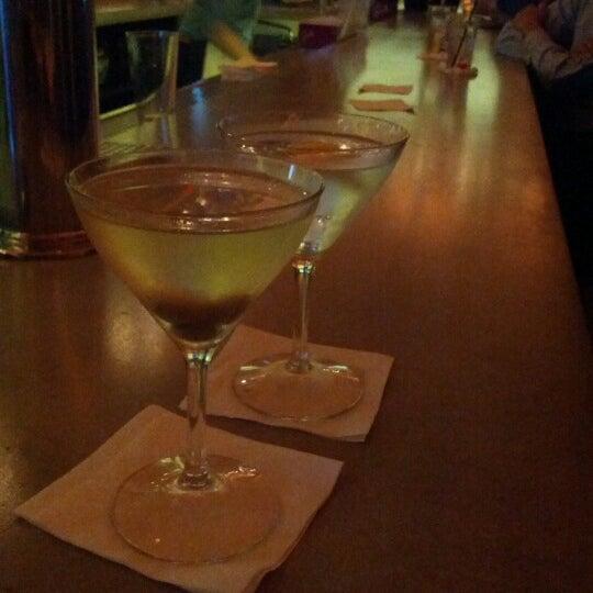 Foto scattata a Hardware Bar da John F. il 12/14/2012