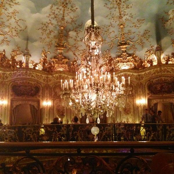 2/15/2013 tarihinde Oleg K.ziyaretçi tarafından Turandot'de çekilen fotoğraf