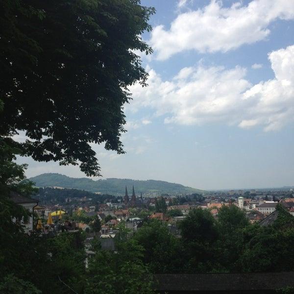 Das Foto wurde bei Greiffenegg Schlössle Restaurant von Арина Б. am 7/7/2013 aufgenommen