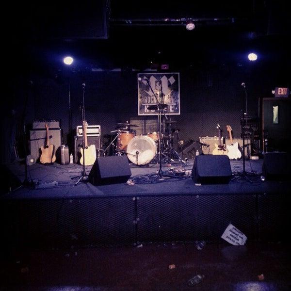 Foto scattata a Rock & Roll Hotel da Robb H. il 10/25/2012