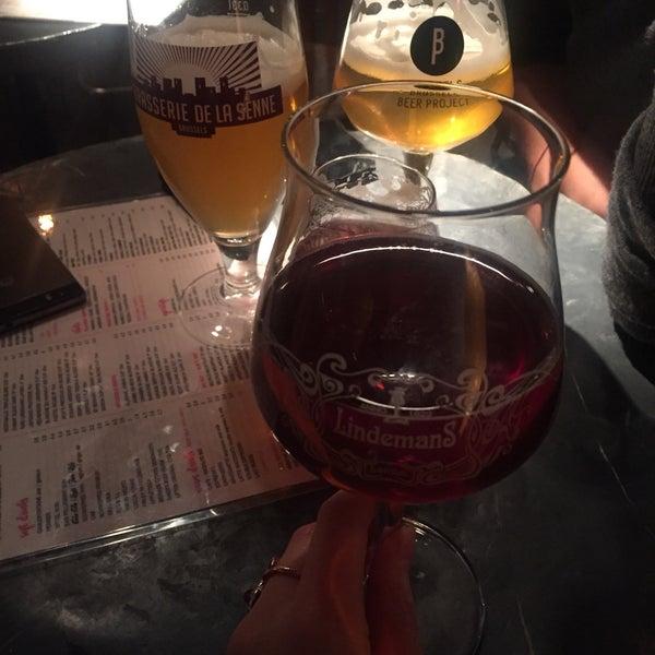 Foto scattata a Zebra Bar da Monica S. il 12/27/2018