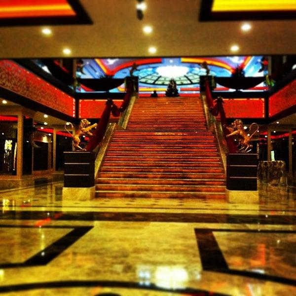 รูปภาพถ่ายที่ Cratos Premium Hotel & Casino โดย Faik Tolga Ç. เมื่อ 12/16/2012