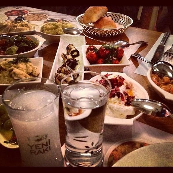 Das Foto wurde bei Safi Meyhane von Ceylan A. am 12/25/2012 aufgenommen