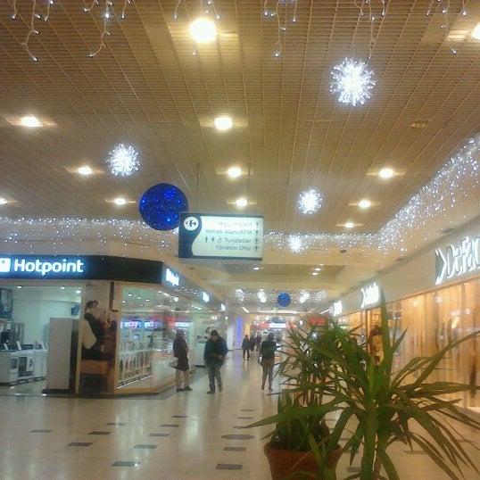 Foto tomada en CarrefourSA Karşıyaka AVM por NaTrE el 11/25/2012