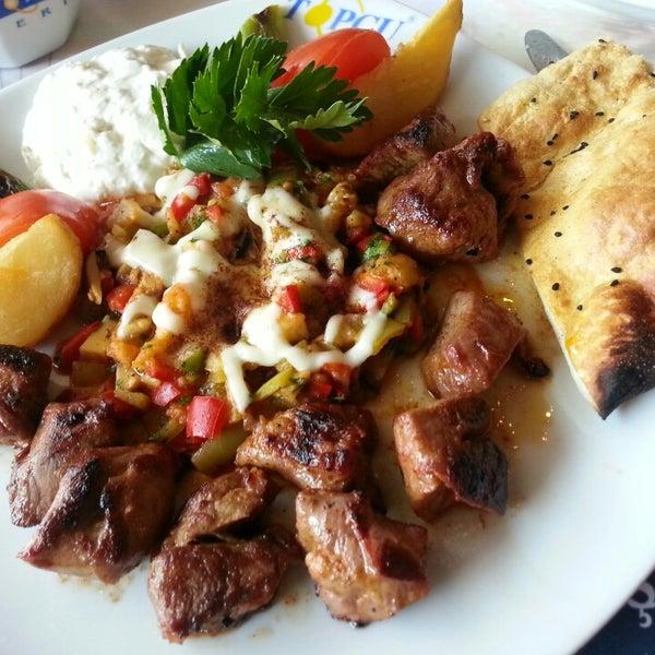 Foto diambil di Topçu Restaurant oleh @lexandr@ .. pada 2/18/2013