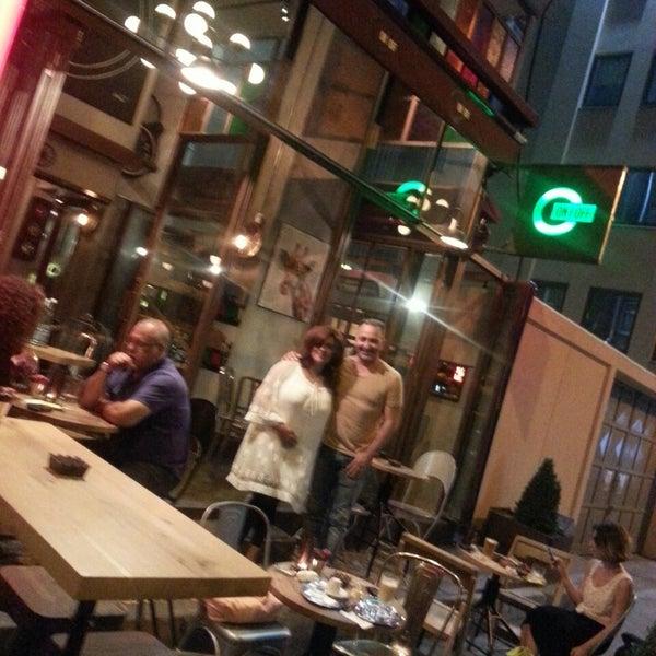 Foto scattata a On Off Karaköy da Nur A. il 6/15/2015