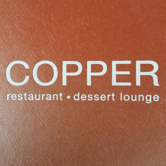 Photo prise au Copper Restaurant & Dessert Lounge par Kevin M. le3/28/2015