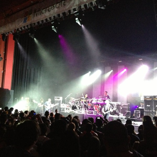 Foto diambil di The Fillmore Miami Beach at The Jackie Gleason Theater oleh Siul N. pada 5/18/2013