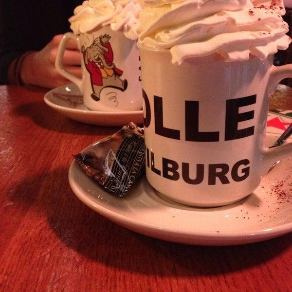 Foto diambil di Café Bolle oleh Robin v. pada 1/29/2014