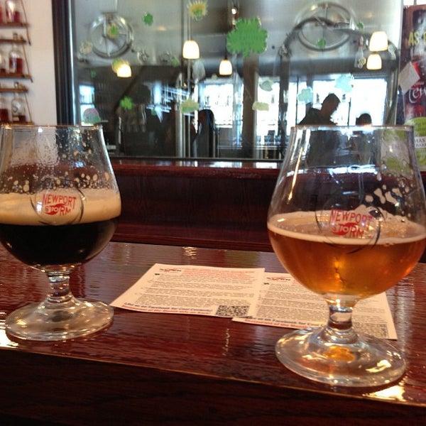 Das Foto wurde bei Newport Storm Brewery von Kelly S. am 3/9/2013 aufgenommen