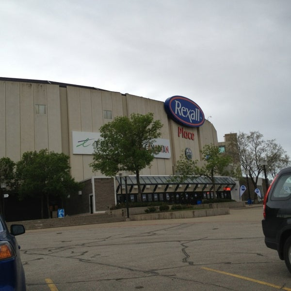 6/1/2013 tarihinde Josh J.ziyaretçi tarafından Northlands Coliseum'de çekilen fotoğraf