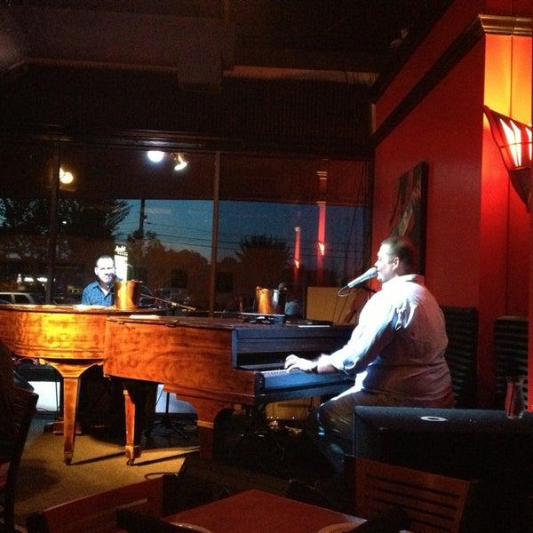 6/1/2013에 Jessica F.님이 Red Sky Tapas & Bar에서 찍은 사진