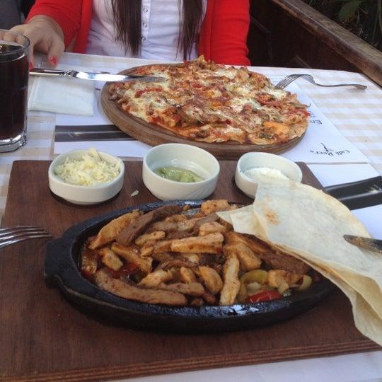 Das Foto wurde bei La Folie Güzelyalı von damla k. am 10/5/2012 aufgenommen