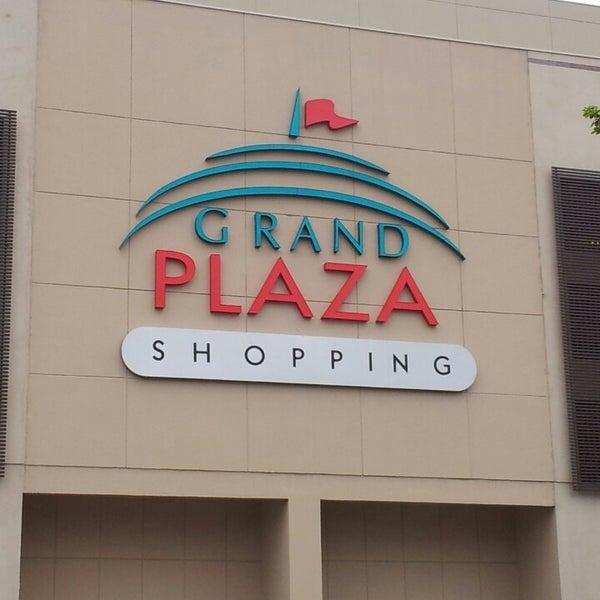 Das Foto wurde bei Grand Plaza Shopping von Caike B. am 10/24/2013 aufgenommen