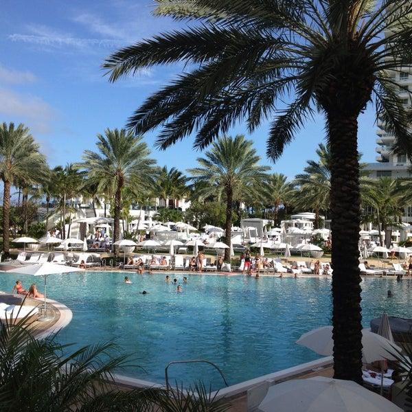 Photo prise au Fontainebleau Miami Beach par Frank R. le7/10/2013